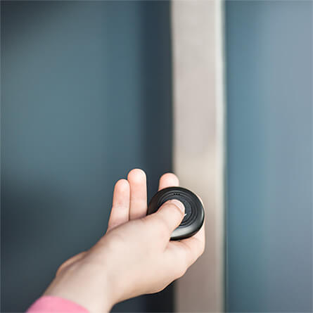 Nuki bluetooth key fob for your door - child-hand