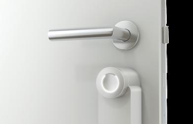 L'azienda austriaca abbassa in modo permanente il prezzo del suo prodotto di punta e amplia il portfolio con la nuova e attesa White Edition della sua serratura intelligente