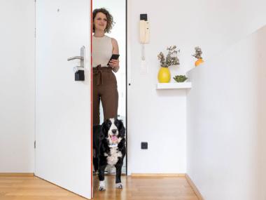 Estos son los dispositivos Smart Home que los dueños de mascotas deben conocer. Tractive y Nuki ofrecen soluciones inteligentes para el cuidado de los perros